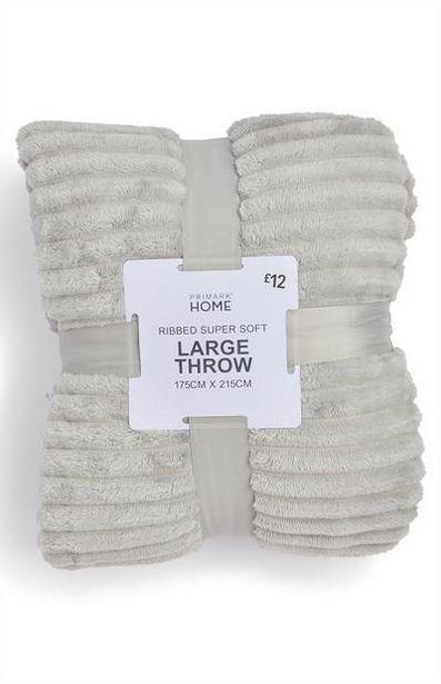 Oferta de Manta canelada suave grande cinzento prateado por 16€