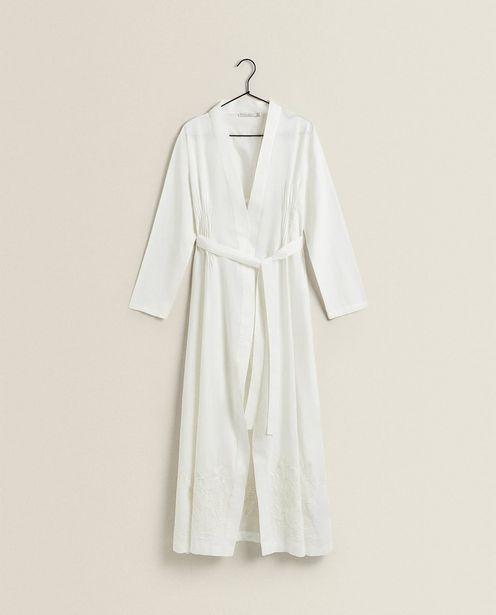 Oferta de Robe Bordado Flor por 49,99€